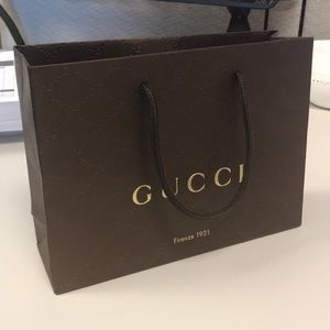 Gucci paper shopping bag